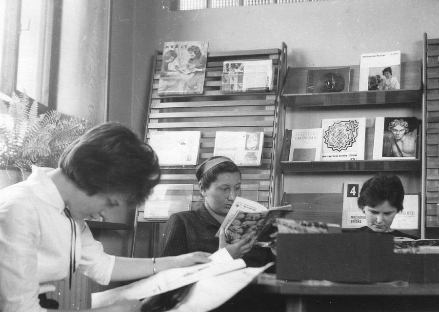 Studovna a čítárna v Kulturním domě Petra Bezruče