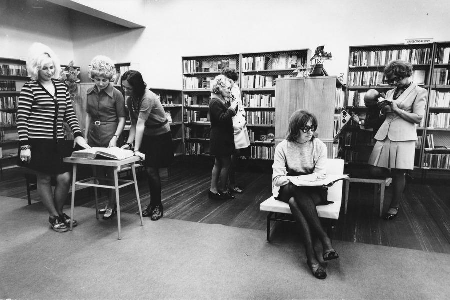 Fotografování nové ústřední půjčovny pro propagační účely, 1973.