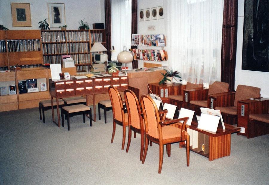 Interiér Hudebního oddělení na Pavlovově ulici, 1999.