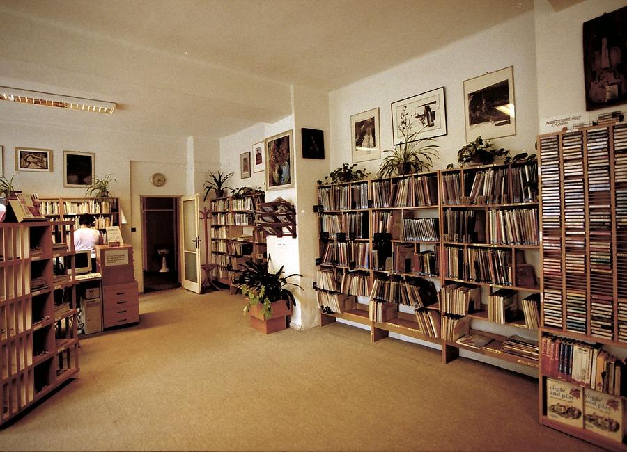 Interiér Hudebního oddělení na Pavlovově ulici, 2005.