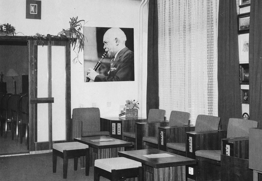 Poslechová místa v Hudebním oddělení na Šrámkově ulici, 1989.